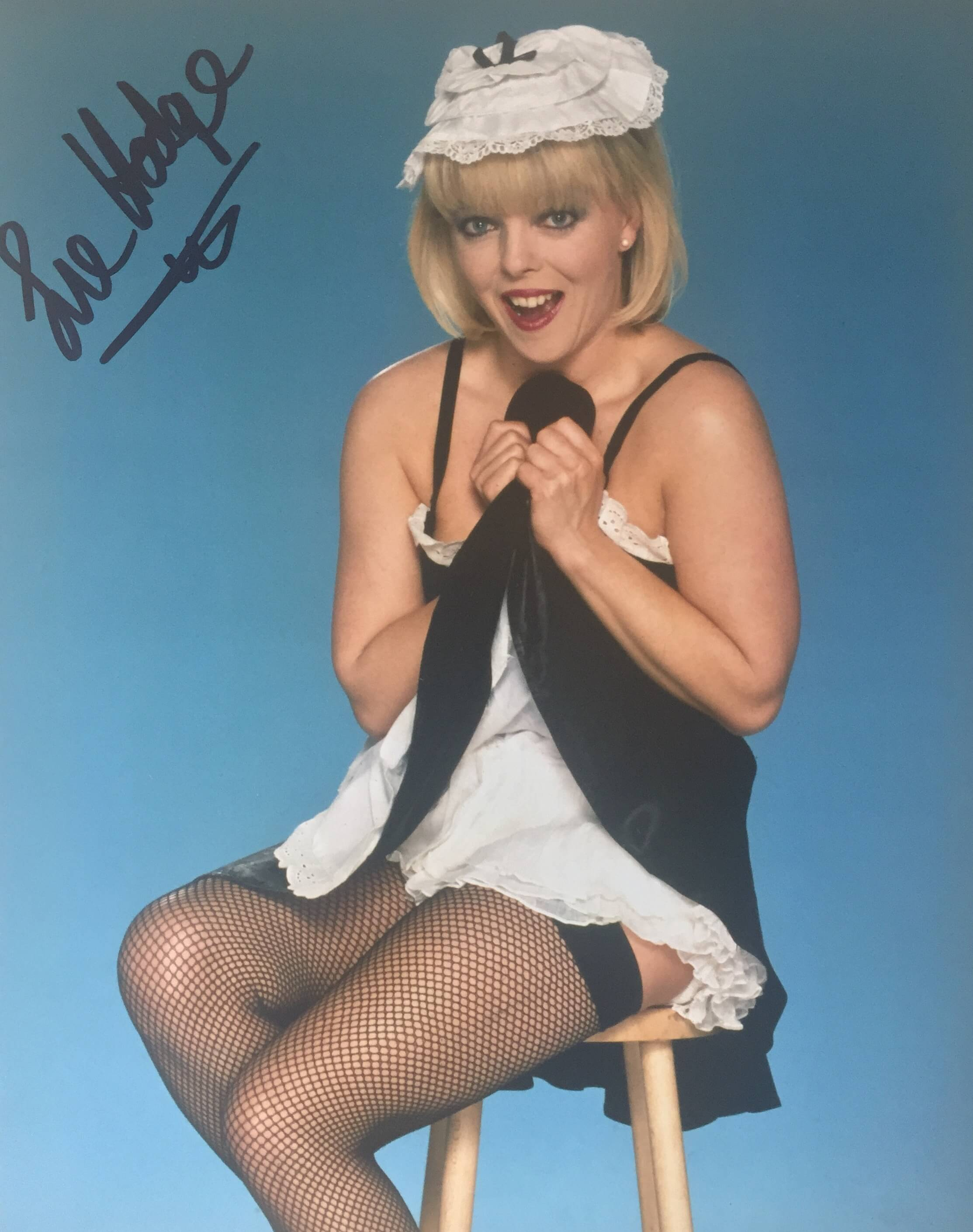 Sue Hodge Hand Signed 10x8 Photo